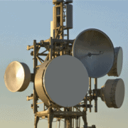 SAF mikrobølge link med lynbeskyttelse og fuld duplex